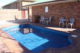 cessnock hotel swimming pool